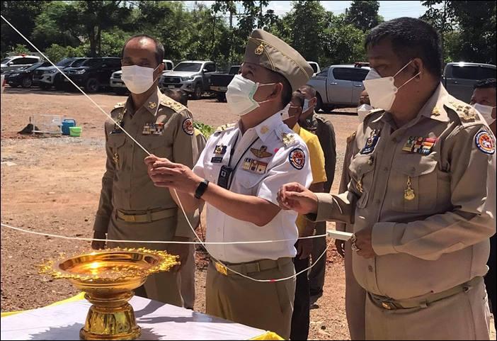 ผวจ.สุพรรณบุรี เป็นประธานพิธีเปิดอาคารกองร้อย อส.อ.ด่านช้างที่ 4